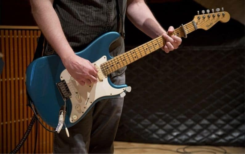 Best Strings for Fender Stratocaster - Featured Image